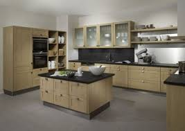 cuisine bois plan de travail noir cuisine grise plan de travail bois maison design bahbe com