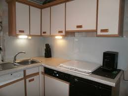 peindre meuble de cuisine repeindre porte cuisine peindre des portes de cuisine diy relookez