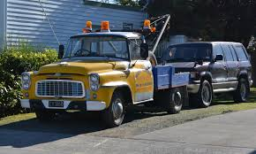 File:1962 International Tow Truck (14308931153).jpg - Wikimedia Commons