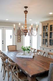 Fixer Upper Country Style In A Very Small Town Design Ideas Of Farmhouse Dining Table Lighting