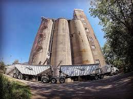 100 Landmark International Trucks Sharpefarmsupplies Tag On Twitter Twipu