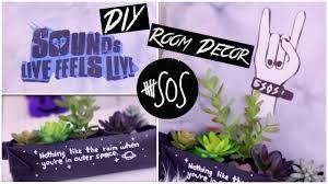 Diy 5sos Room Decorslfl Inspiredtumblrblack And White Youtube Decorator Interior Decorating Ideas Living