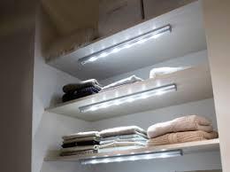 lumiere pour chambre choisir un éclairage adapté à la chambre à coucher