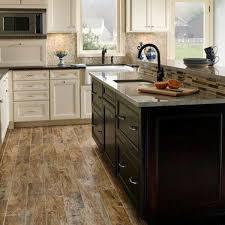 EGGER Classic Cortina Oak Laminate Flooring H2716 7MM