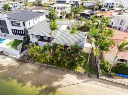100 The Beach House Gold Coast Broadbeach Waterfront Pool In The Heart Of