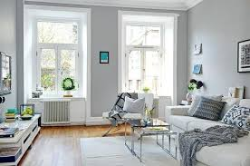 light gray living room courtpie