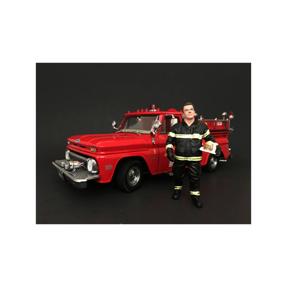Firefighter Fire Chief Figurine / Figure for 1:24 Models by American Diorama 77509
