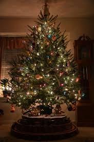 Thomas Kinkade Christmas Tree by 82 Best Christmas Tree Under The Train Images On Pinterest