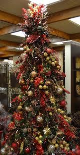 Raz Christmas Trees by Burgundy U0026 Green Themed Christmas Tree Christmas Board