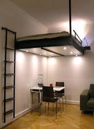 mezzanine chambre adulte 180003316334125895 lit suspendu au plafond 2 personnes et bureau en