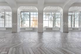 morgen in luxuriöse helle interieur im herrenhaus helle und saubere inneneinrichtung aus einem luxus wohnzimmer stuck an wänden hohe fenster und