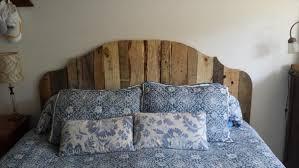 27 DIY Pallet Headboard Ideas