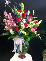 Spring floral arrangement by Robyn Flowers and More Fresno CA