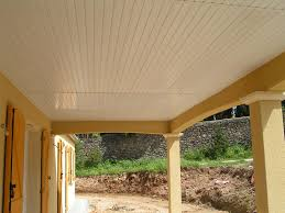 pose lambris sous toiture beautiful lambris pvc sousface with