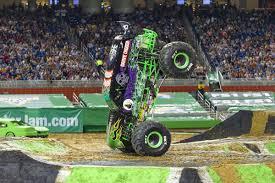 100 Monster Truck Grave Digger Videos Jam Roars Back Into Atlanta Feb 23 And 24 Sports