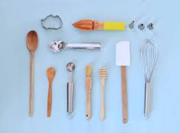 noms d ustensiles de cuisine les ustensiles indispensables en pâtisserie pour débutants