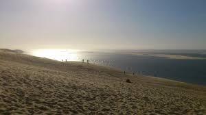 la montée des escaliers à la dûne du pilat picture of dune du