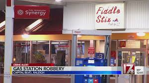 100 Two Men And A Truck Raleigh 2 Suspects On The Run After Gas Station Robbed At Gunpoint