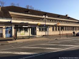 bureau de poste pontault combault la poste a rouvert dans un écrin rénové actu fr