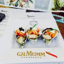 greta cuisine greta garbo oysters and mumm picture of shuckz oyster chagne