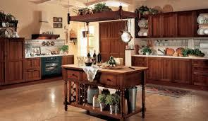 de cuisine italienne meuble de cuisine italienne design cuisine tunisienne meuble vert