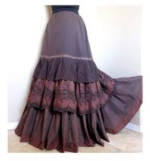 To Complete Any Outfit Especially When You Are Opting For A Small Top Like Sleeveless Crop Such Look Go Knee Length Bohemian Skirt
