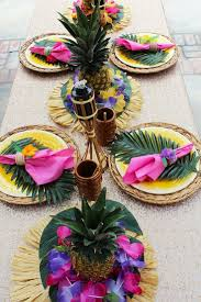 Graduation Table Decorations Homemade by Best 25 Luau Table Decorations Ideas On Pinterest Tropical