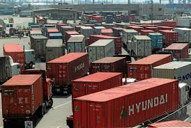 How The Trucking Industry At The Port Is Being Hammered By The Rest ... For Truck Drivers At The Ports Of Los Angeles And Long Beach Its A Ims Transport Rear Load Containers Bp Trucking Inc Lacys Express Tank Carrier Bulk Transporter Schneider National Wikipedia Is Security Cris You Never Noticed Foreign Policy Home Liquid J B Hunt 5 Questions When Shipping A Container City Attorney Sues Porttrucking Firms Over Worker Truck Trailer Freight Logistic Diesel Mack