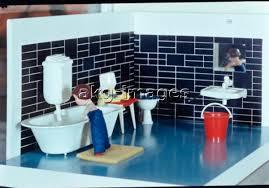 puppen badezimmer 30er jahre akg images