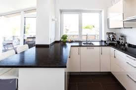 reinigung und pflege der küchenarbeitsplatte aus granit