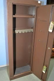 Homak Gun Cabinets Canada by Homak Brown Gun Safe With Key Approx 21
