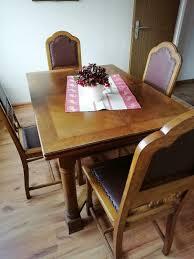 esszimmer tisch 4 stühle standuhr kleine vitrine