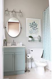 Beautiful Colors For Bathroom Walls by Best 25 Small Bathroom Makeovers Ideas On Pinterest Small