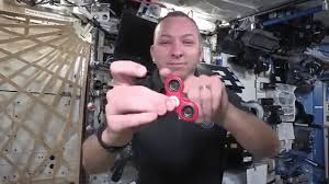 Astronauts Perform Zero Gravity Fidget Spinner Tricks In Space On The International Station