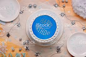 blaue kuchen mit der aufschrift alles gute zum geburtstag stockfoto und mehr bilder aquamarin grüne farbe