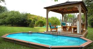 piscine semi enterree bois uteyo