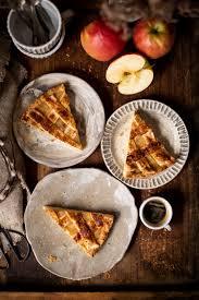 apfelkuchen rezept mit apfelmus und blätterteiggitter