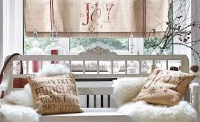 weihnachtliche winterlandschaft im flur und im wohnzimmer