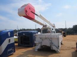 ALTEC AA755L BUCKET TRUCK BED, - 18', OUTRIGGER, IN BED STORAGE ... 2012 Used Ford F450 F3504x2 V8 Gasaltec At200a Boom Bucket Altec At37g Bucket Truck Crane For Sale Or Rent Boom Lifts Christmas Decorations Made Easy With Trucks From Southwest Asplundh Bucket Truck Model Woodchuck Chipper Lrv56 Tree 2007 Chevrolet C7500 Ta41m For Sale Youtube Atlas 2548636 Hydraulic Lift Cylinder 19 L Digger Intertional 4300 2010 7400 4x4 Ta55 60 F550 Ta37mh C284 2011 Kenworth T370 46 Big 2016 Freightliner Altec Auction