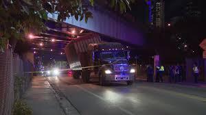 100 Truck Stuck Under Bridge Wedged I395 Overpass May Have Damaged Highway CBS Miami