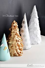 Christmas Tree Books Diy by 13 Holiday Mantel Decorating Ideas Tip Junkie