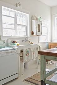 28 White Kitchen Cabinet And A Sink Stand In Shabby Chic Style
