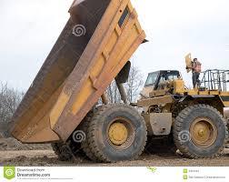 100 Mechanic Truck Dump Truck And Mechanic Stock Photo Image Of Diesel Build 4464242