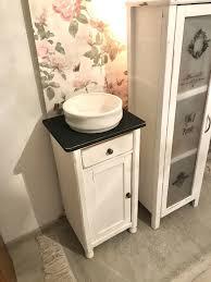 alte waschschüssel landhausstil waschbecken bad deko shabby chic