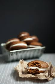 Pumpkin Whoopie Pies With Maple Spice Filling by Pumpkin Whoopie Pies Modern Wifestyle