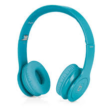 Beats Solo HD – Drenched in Light Blue