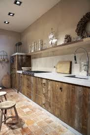porte de cuisine en bois brut la cuisine en bois massif en beaucoup de photos meuble cuisine