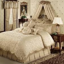 BEDROOM DESIGN Luxury forter Bedspread Sets With Beige Bed