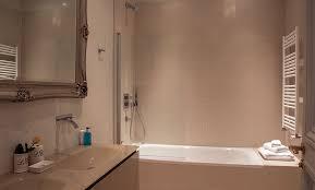 Hermitage Hotel Bathroom Movie by Luxury 3 Bedroom Apartment With Eiffel View Balcony U0026 Wifi
