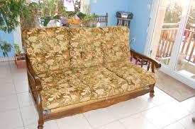 vieux canapé les coussins de clara customisation d un vieux canapé